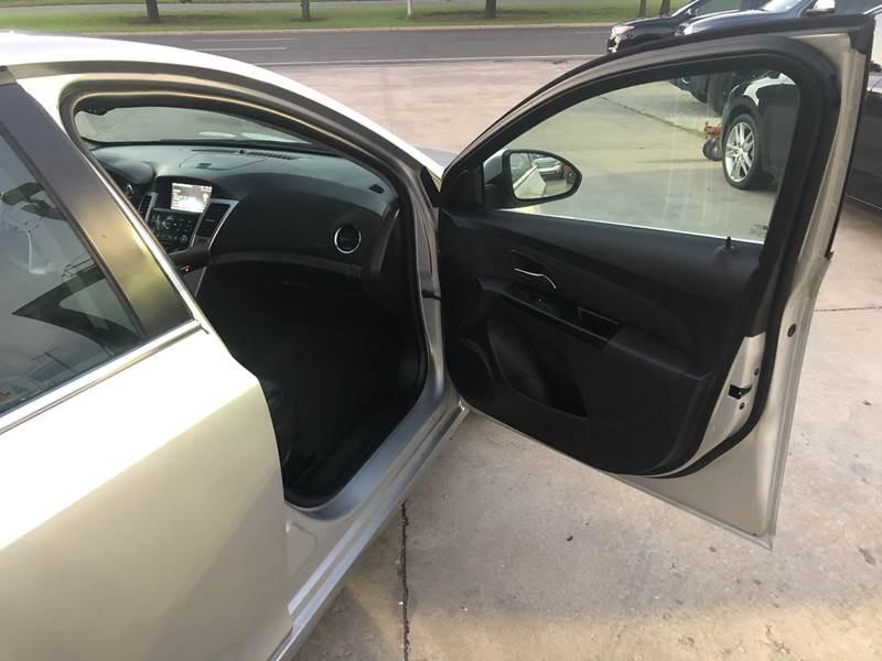 Chevrolet Cruze 2014 price $8,500