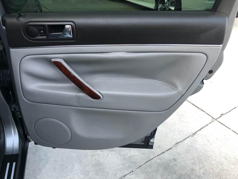 Volkswagen Passat 2003 price $6,500