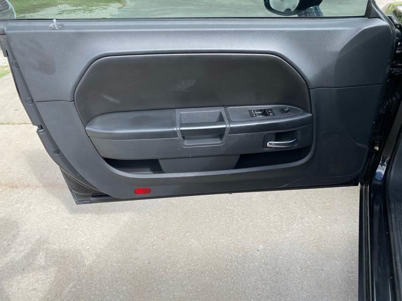 Dodge Challenger 2010 price $12,500