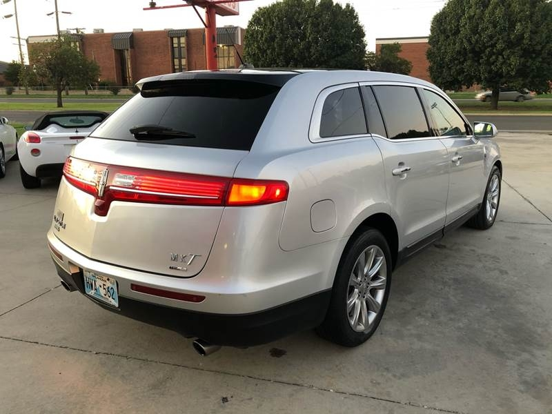 Lincoln MKT 2013 price $11,995