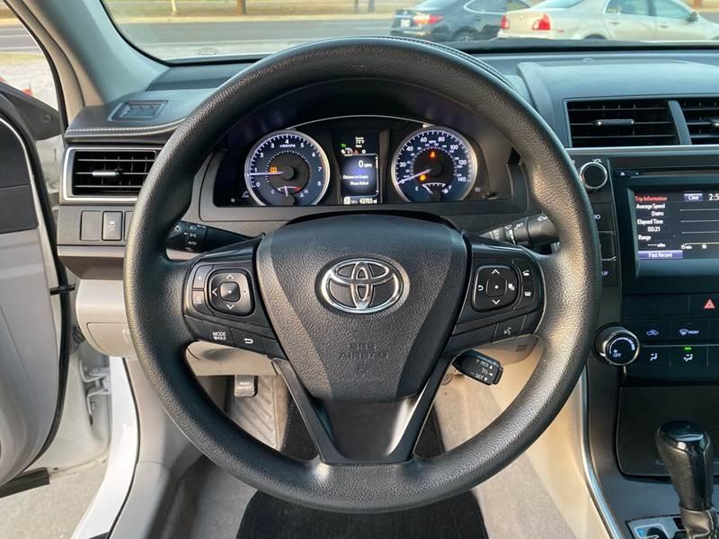 Toyota Camry 2017 price $12,500