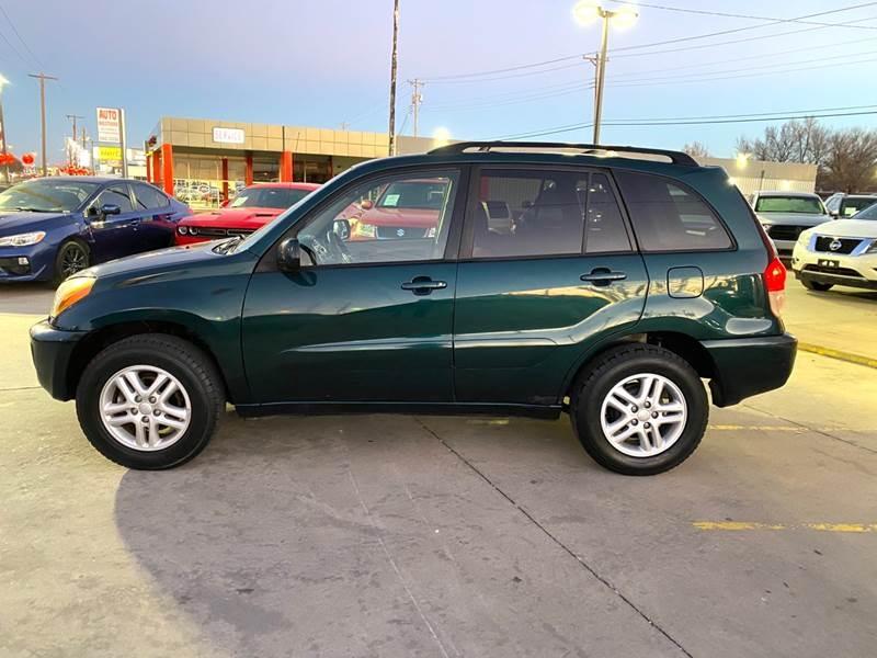 Toyota RAV4 2002 price $2,995