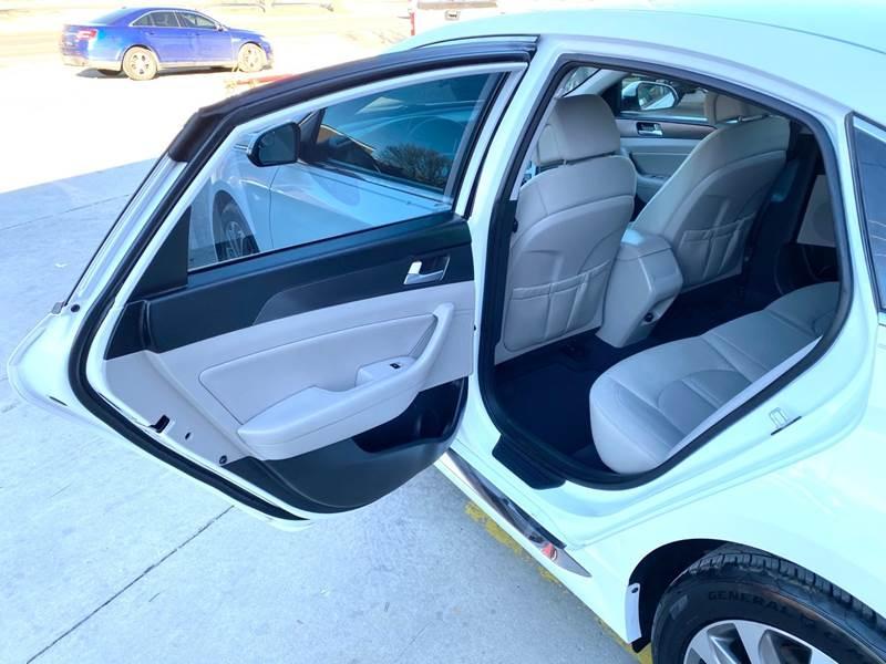 Hyundai Sonata 2015 price $8,800