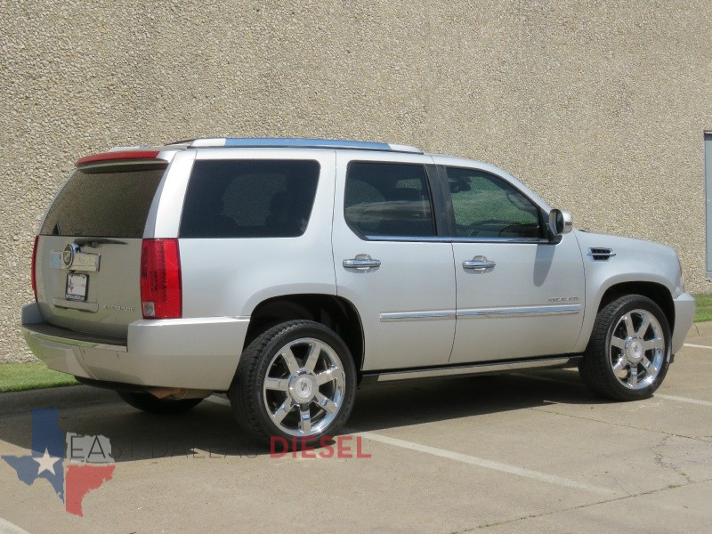 Cadillac Escalade 2010 price $15,995