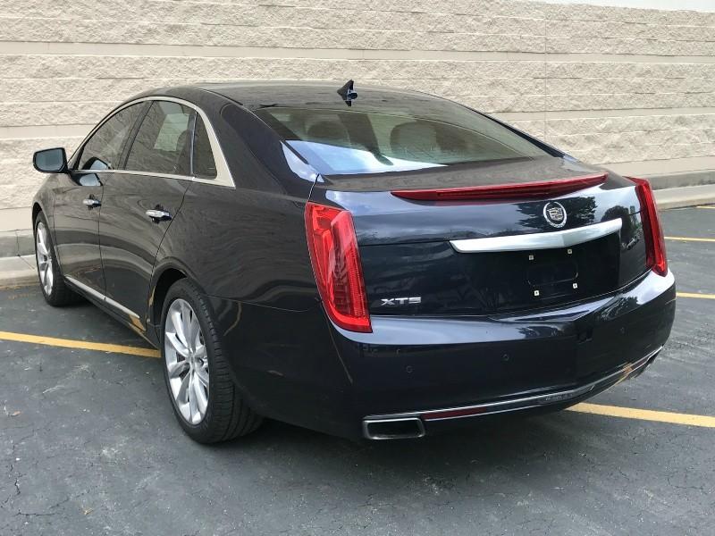 Cadillac XTS 2013 price $14,980