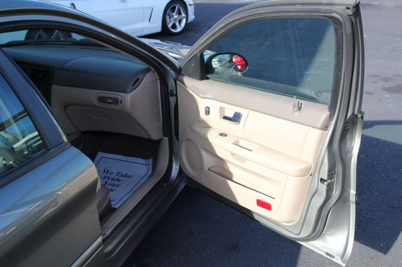 FORD TAURUS 2002 price $5,999