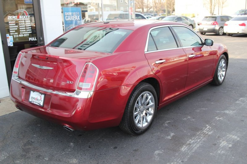 CHRYSLER 300 2012 price $9,399