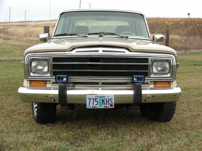 Jeep Grand Wagoneer 1989 price $13,995