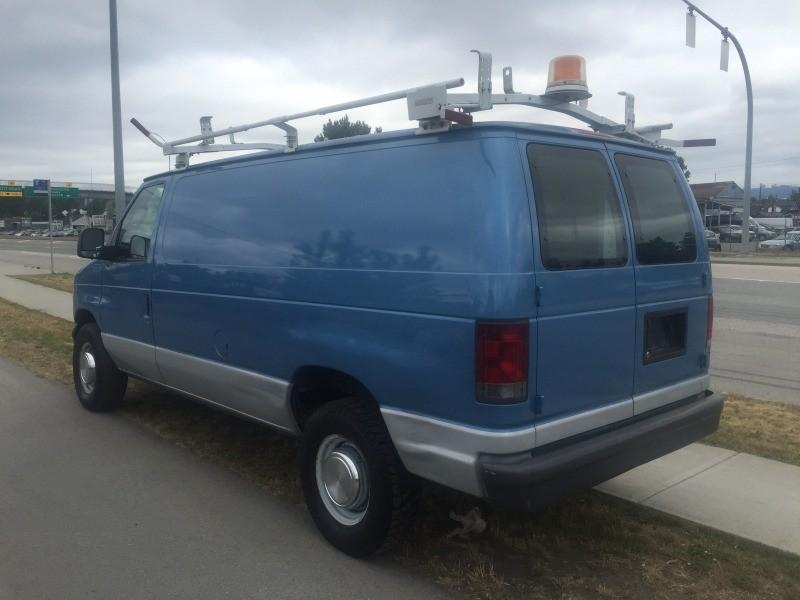 Ford Econoline Cargo Van 2006 price $7,950