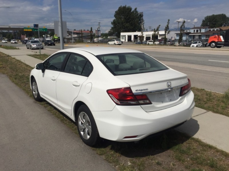 Honda Civic Sedan 2015 price $12,485