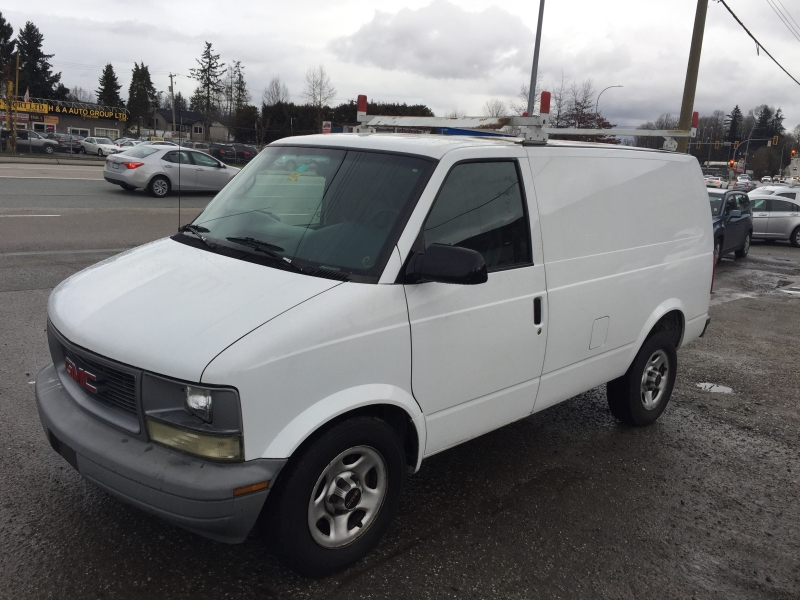 GMC Safari Cargo Van 2005 price $5,988