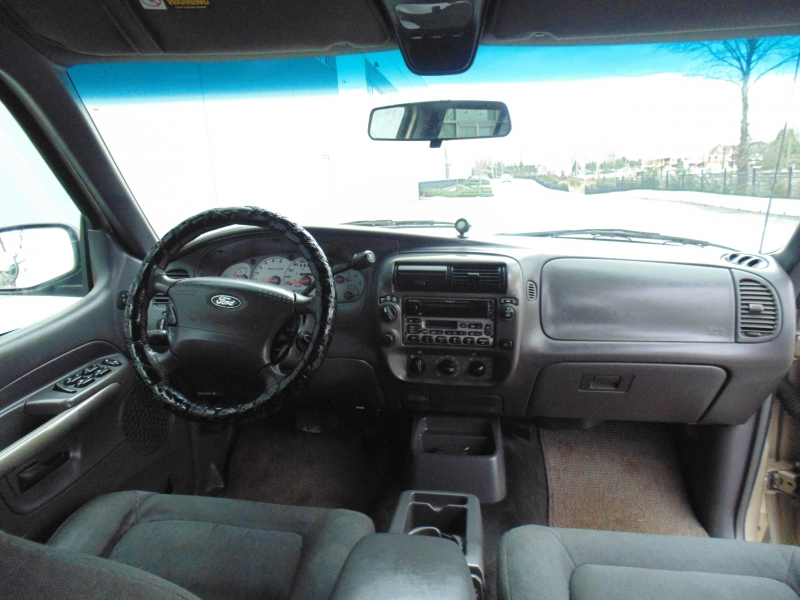 Ford Explorer Sport Trac 2001 price $2,900