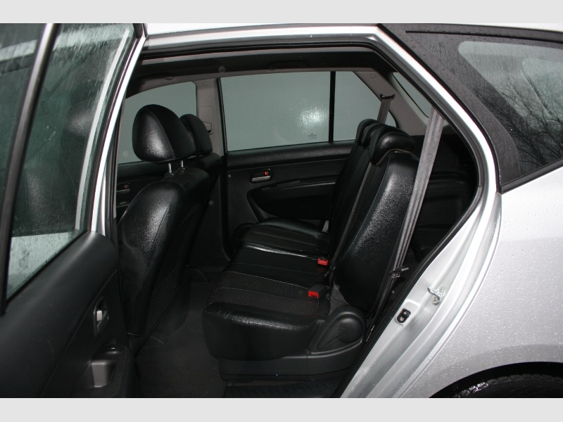 Kia Rondo 2010 price $3,800