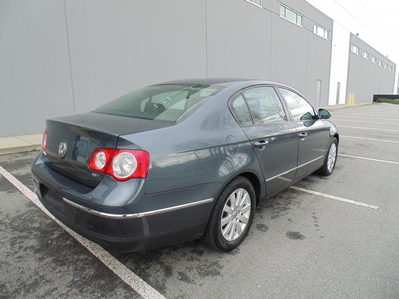Volkswagen V.W Passat Sedan 2010 price $5,500