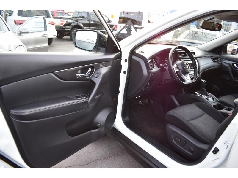Nissan Rogue 2017 price $16,998