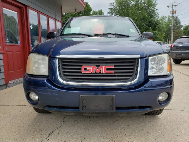 GMC Envoy 2004 price $4,995