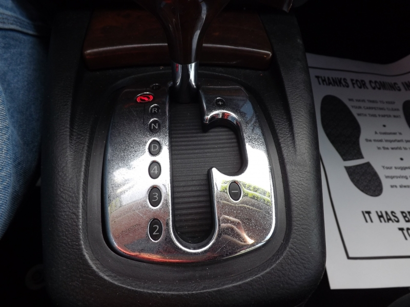 Volkswagen Passat 2000 price $3,995