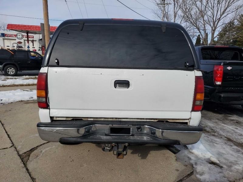 Chevrolet SILVERADO 2500 2002 price Call for Pricing.