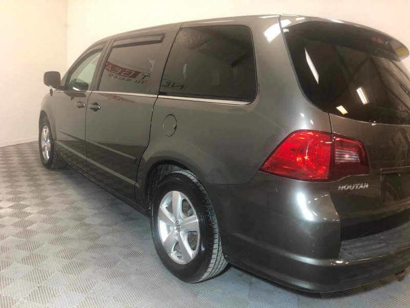 VOLKSWAGEN ROUTAN 2010 price $6,500