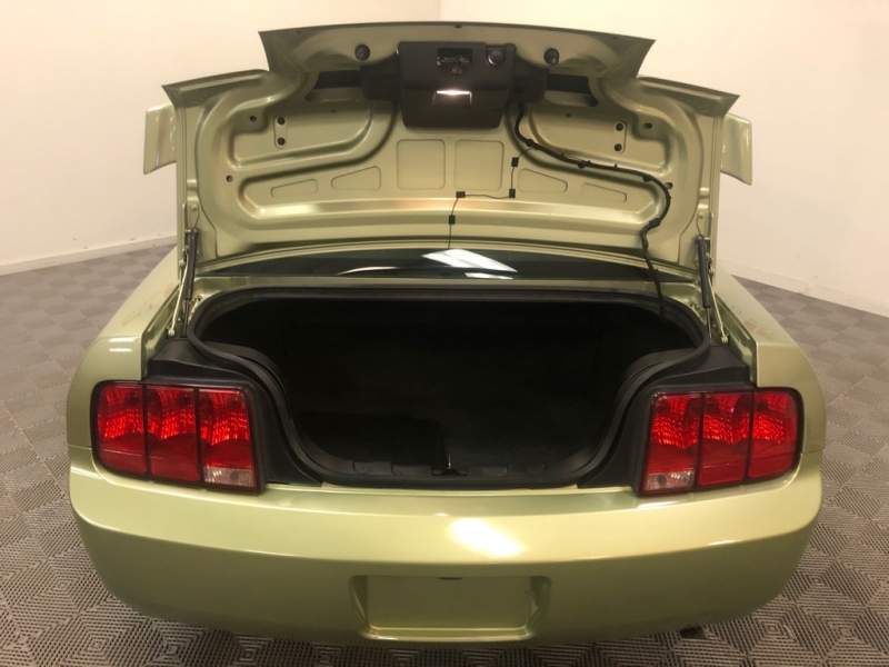 FORD MUSTANG 2005 price $6,500