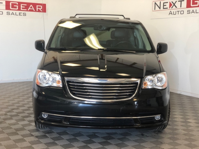 CHRYSLER TOWN & COUNTRY 2014 price $9,999