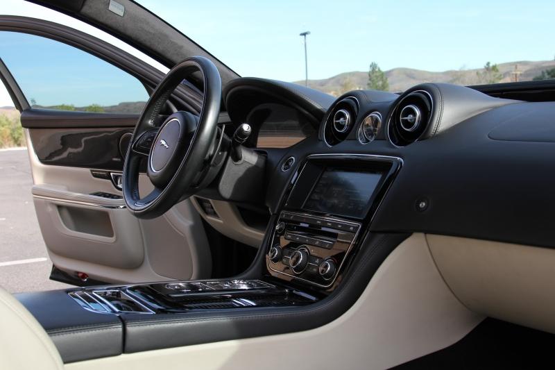 Jaguar XJ 2015 price $27,855