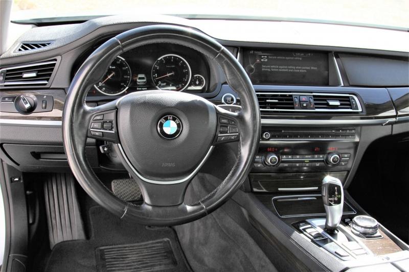 BMW 7-Series 2014 price $15,855