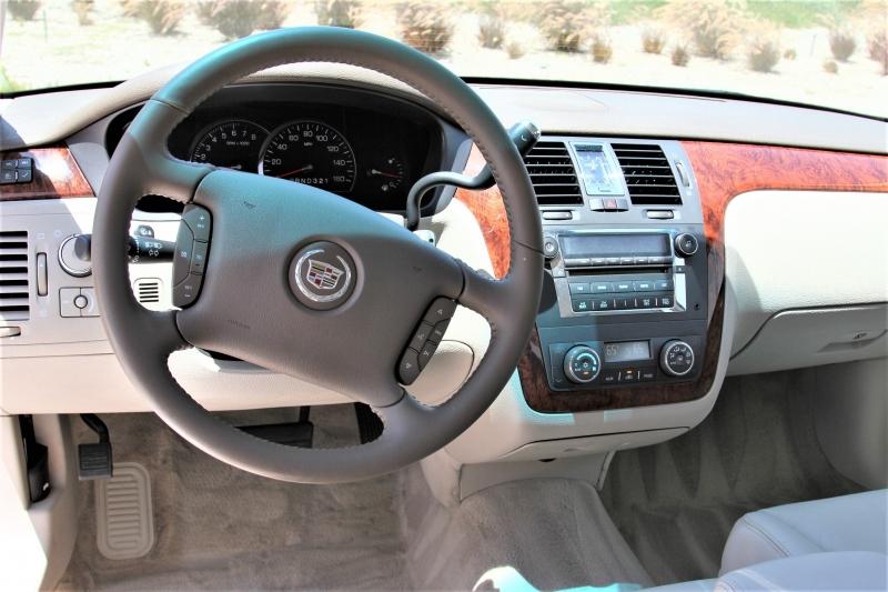 Cadillac DTS 2006 price $7,855