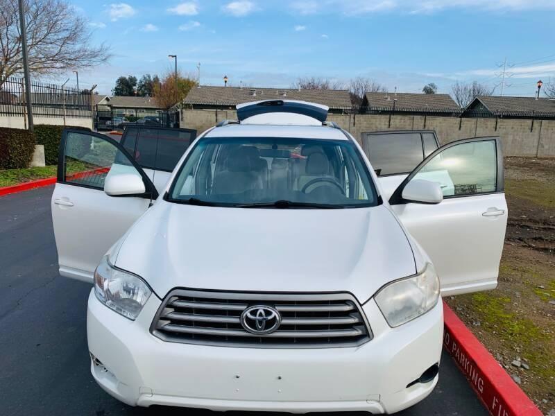 Toyota Highlander 2010 price $7,495