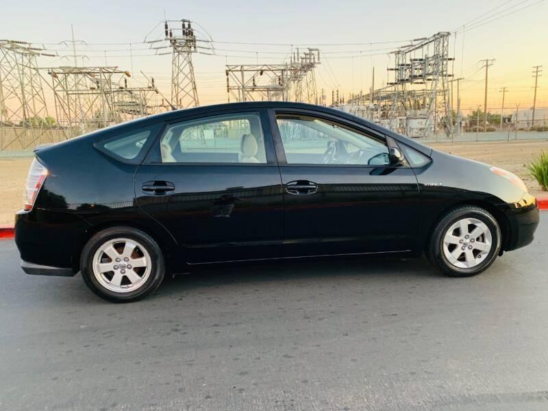 Toyota Prius 2006 price $5,495