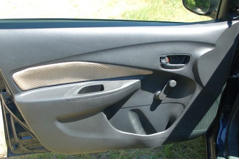 Toyota Yaris 2008 price $4,750