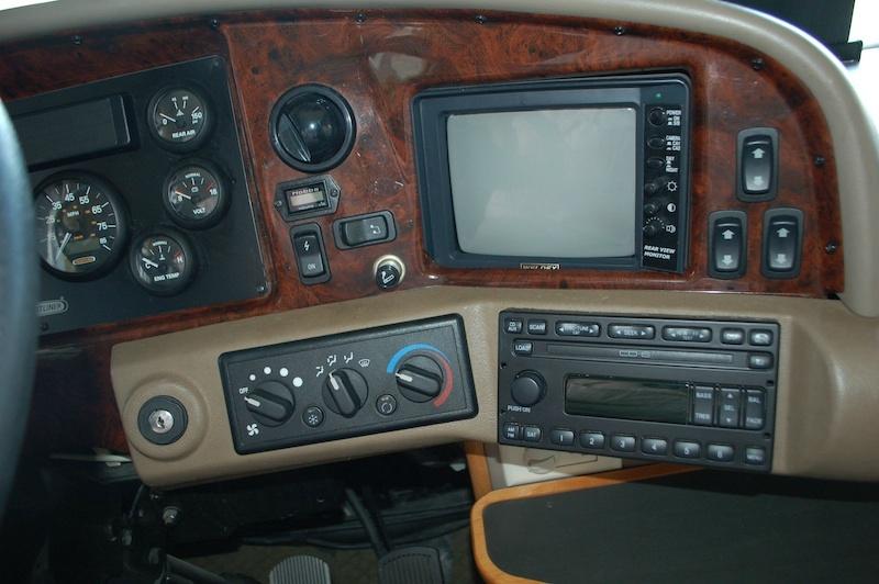 Fleetwood Discovery 39S 2004 price $45,900