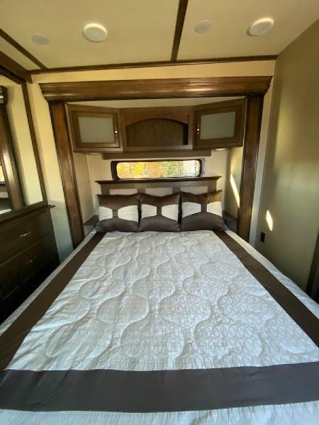 Grand Design Solitude 379FL 2017 price $58,750