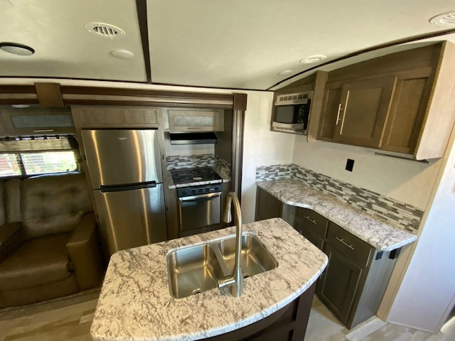 Forest River Surveyor 33KRLOK 2017 price $27,900