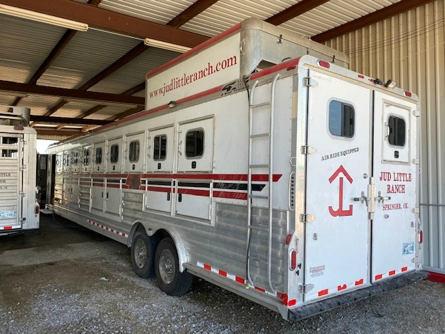 4-Star 9 Horse Reverse Load Trailer w/ Outlaw LQ's  2007 price $59,900