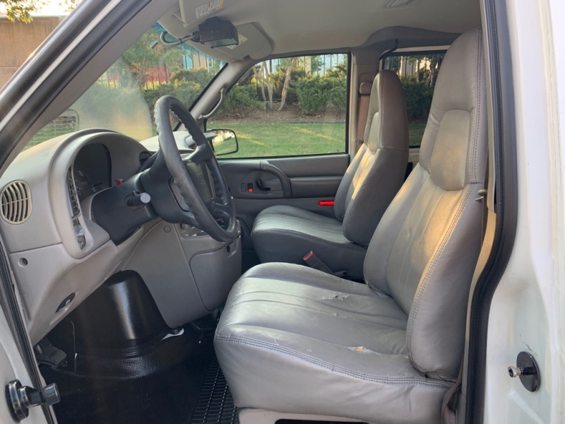 Chevrolet Astro Cargo Van 2003 price $11,500