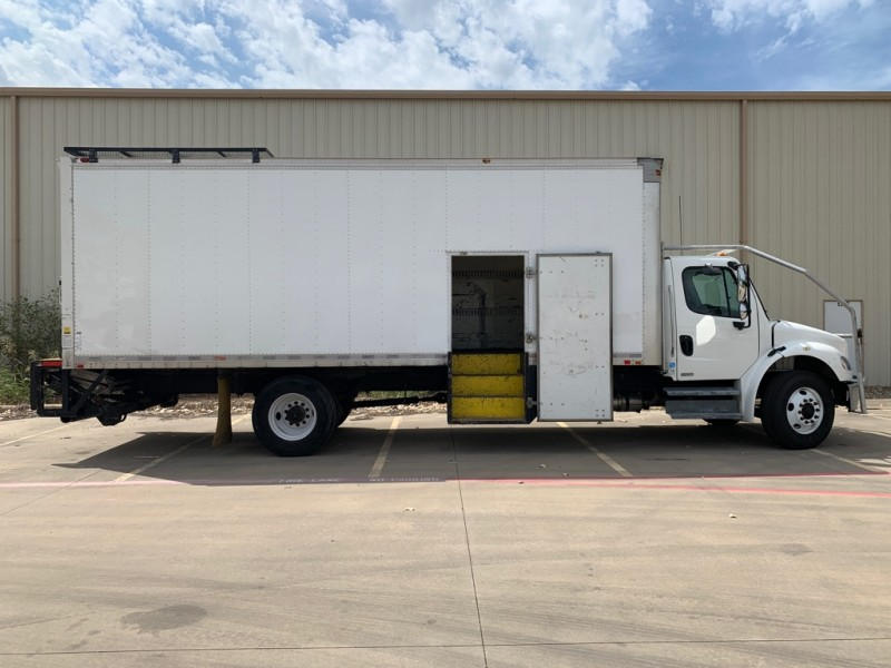 Freightliner M2 Business 24 ft Box 2008 price $23,900