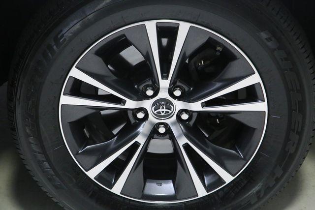 Toyota Highlander 2016 price $20,995