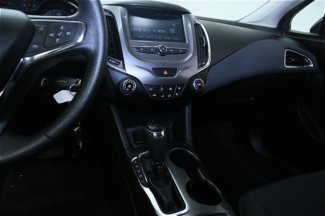 Chevrolet Cruze 2017 price $500