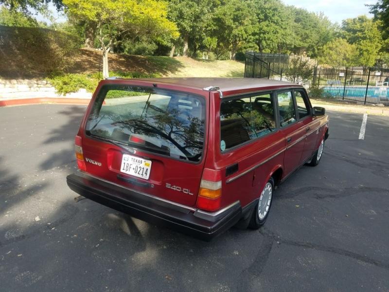 VOLVO 240 1990 price $3,695