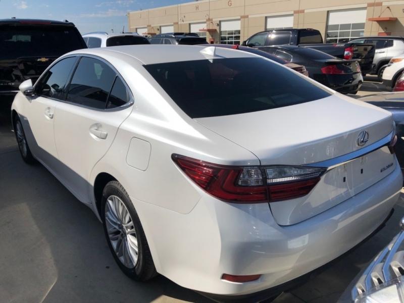 Lexus ES 350 2016 price $24,500