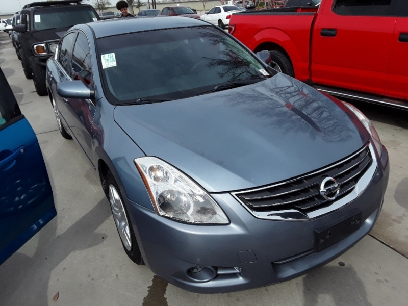 Nissan Altima 2012 price $3,799