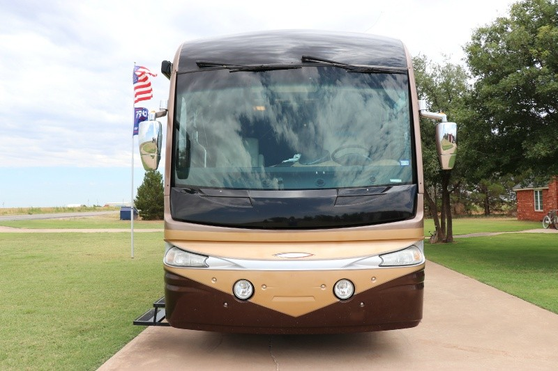 Fleetwood Revolution LE 2006 price $69,950