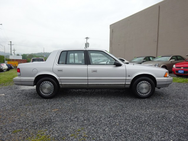 1990 Plymouth Acclaim LE - Inventory | Bill Gatton Chevrolet