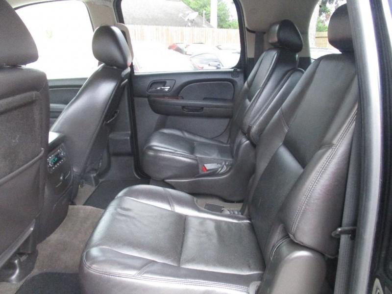 Chevrolet Suburban 2010 price $1,995