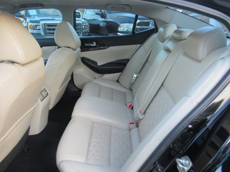 Nissan Maxima 2017 price $2,995