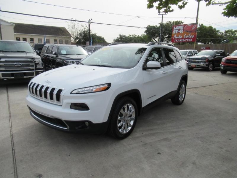 Jeep Cherokee 2016 price $2,495