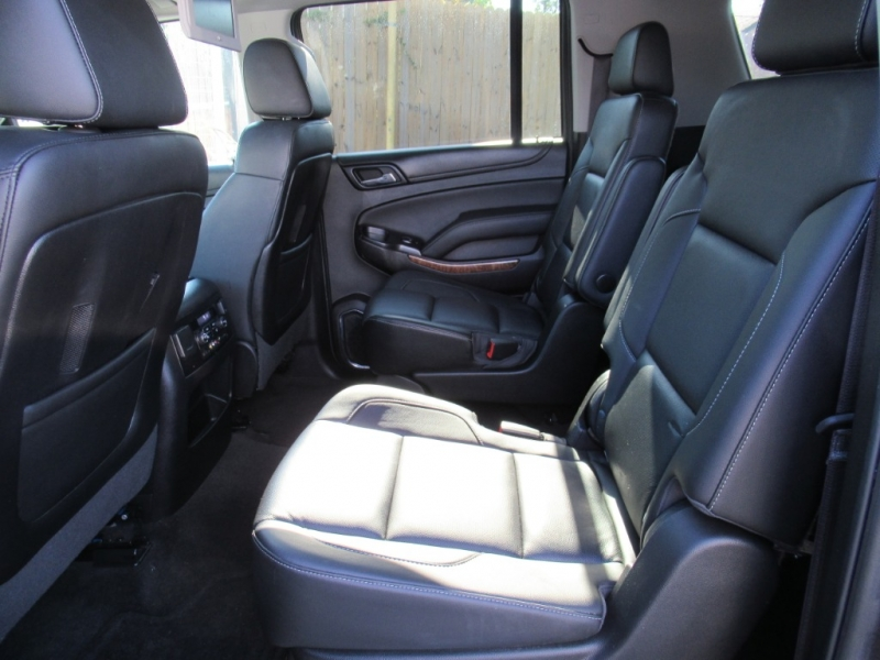 Chevrolet Suburban 2016 price $5,995