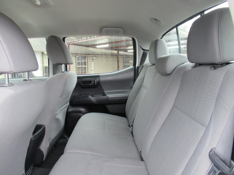 Toyota Tacoma 2017 price $4,995