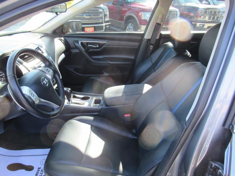 Nissan Altima 2018 price $2,995